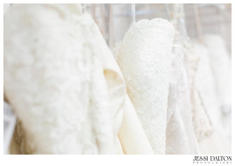 Jessi-Dalton-Photography-25thAnniversary-Giveaway-Amandas-Bridal_0006