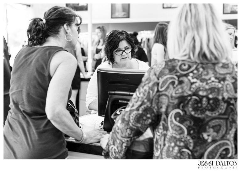 Jessi-Dalton-Photography-25thAnniversary-Giveaway-Amandas-Bridal_0007