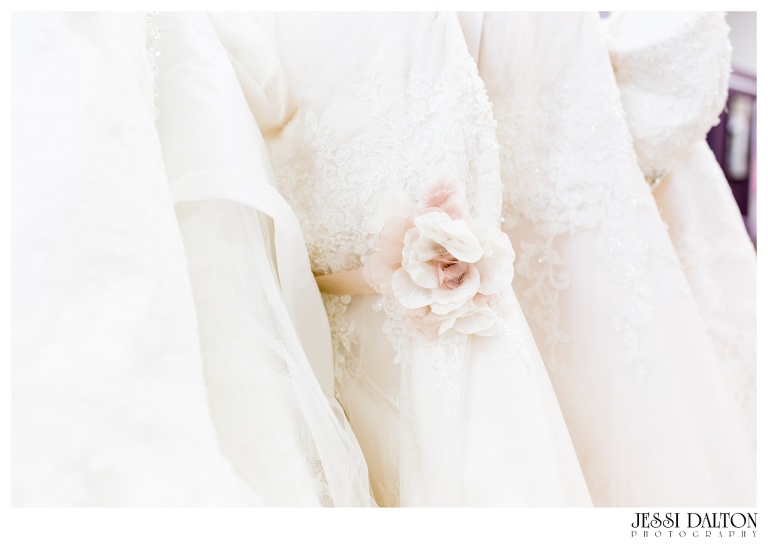 Jessi-Dalton-Photography-25thAnniversary-Giveaway-Amandas-Bridal_0015