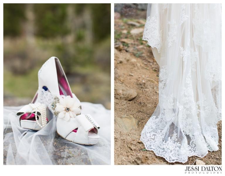 Jessi-Dalton-Photography-Della-Terra-Mountain-Chatuea-Lace-And-Lilies-Colorado-Mountain-Wedding_0008