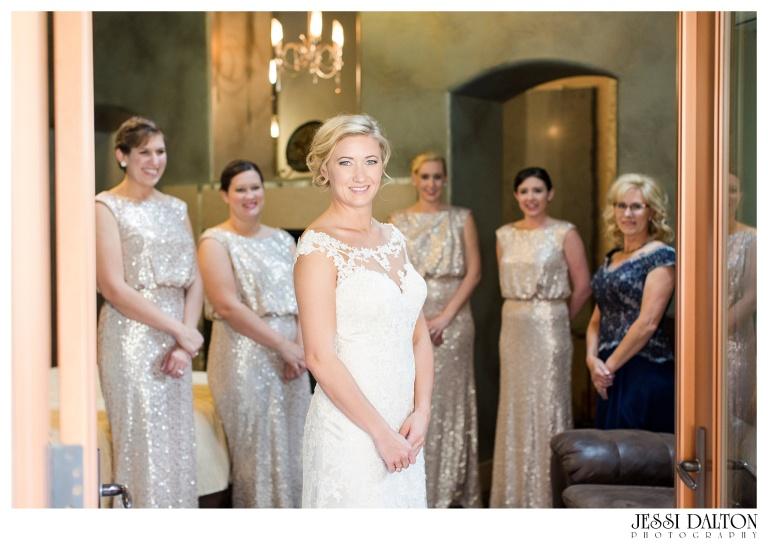 Jessi-Dalton-Photography-Della-Terra-Mountain-Chatuea-Lace-And-Lilies-Colorado-Mountain-Wedding_0015