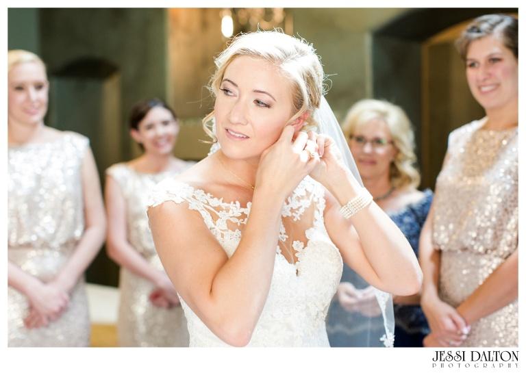 Jessi-Dalton-Photography-Della-Terra-Mountain-Chatuea-Lace-And-Lilies-Colorado-Mountain-Wedding_0019