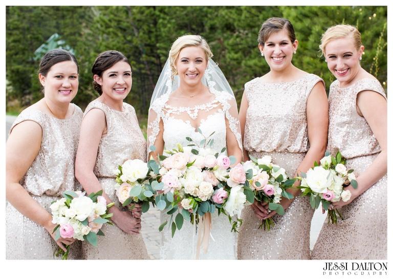 Jessi-Dalton-Photography-Della-Terra-Mountain-Chatuea-Lace-And-Lilies-Colorado-Mountain-Wedding_0024