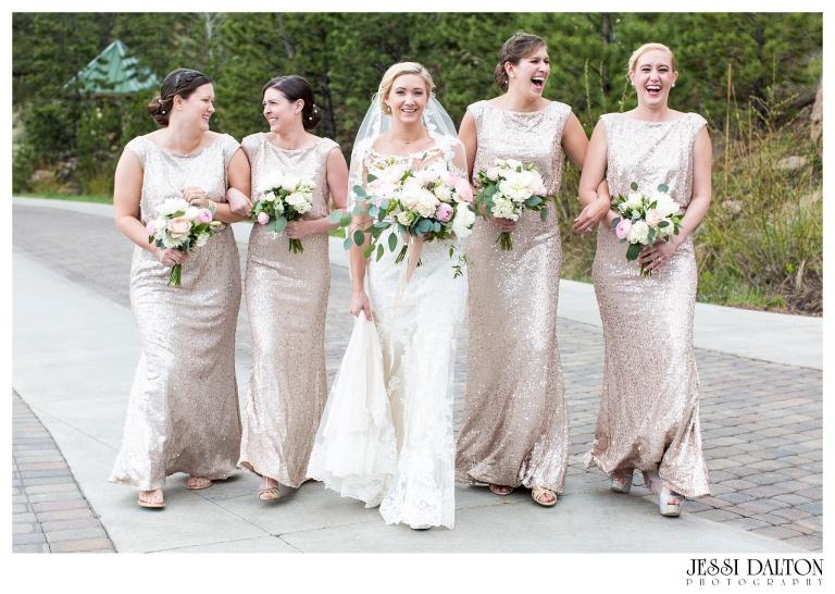 Jessi-Dalton-Photography-Della-Terra-Mountain-Chatuea-Lace-And-Lilies-Colorado-Mountain-Wedding_0026