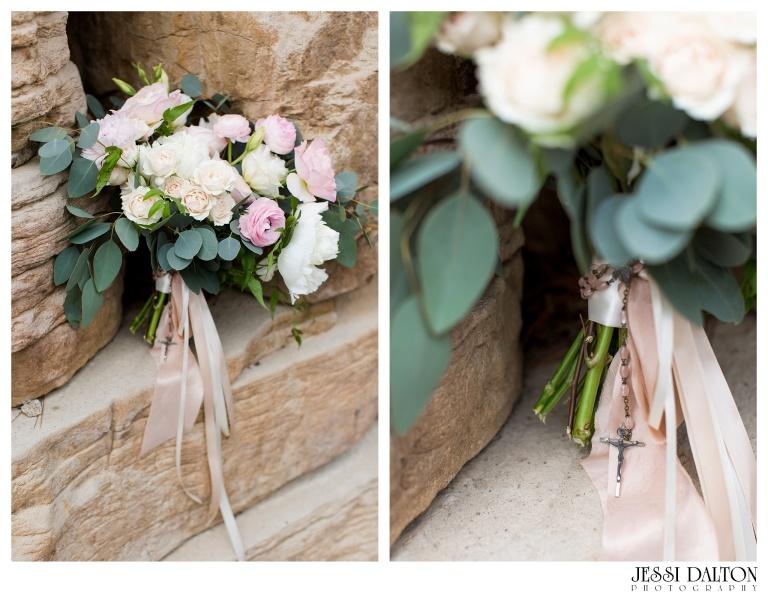 Jessi-Dalton-Photography-Della-Terra-Mountain-Chatuea-Lace-And-Lilies-Colorado-Mountain-Wedding_0035