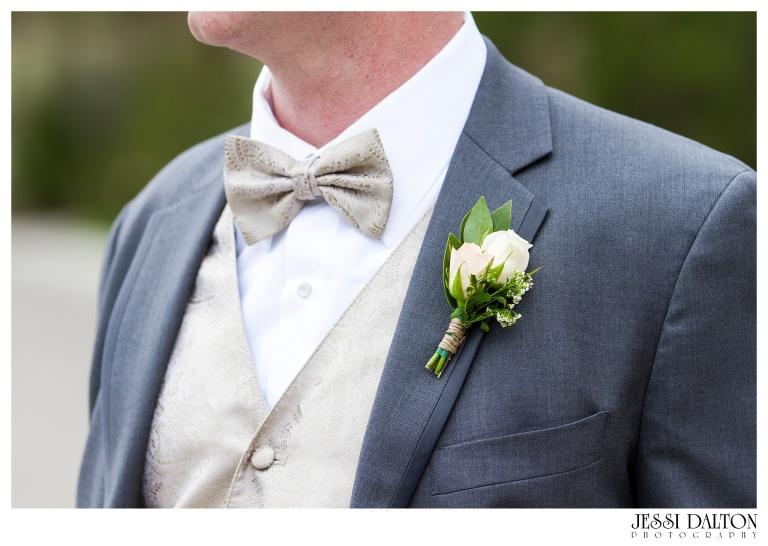 Jessi-Dalton-Photography-Della-Terra-Mountain-Chatuea-Lace-And-Lilies-Colorado-Mountain-Wedding_0044