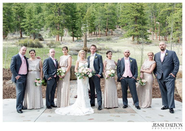 Jessi-Dalton-Photography-Della-Terra-Mountain-Chatuea-Lace-And-Lilies-Colorado-Mountain-Wedding_0070
