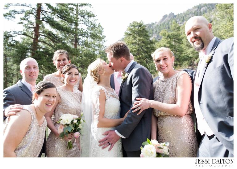 Jessi-Dalton-Photography-Della-Terra-Mountain-Chatuea-Lace-And-Lilies-Colorado-Mountain-Wedding_0073