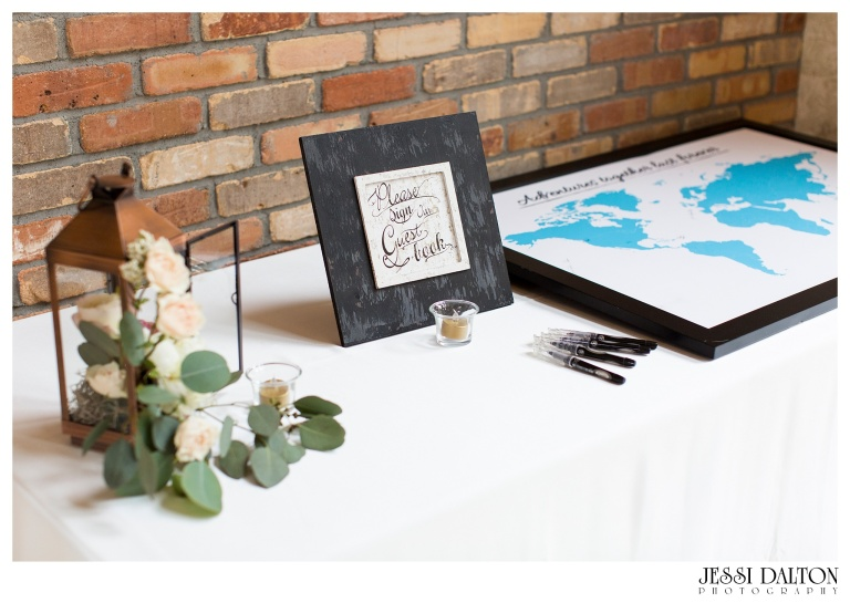 Jessi-Dalton-Photography-Della-Terra-Mountain-Chatuea-Lace-And-Lilies-Colorado-Mountain-Wedding_0090