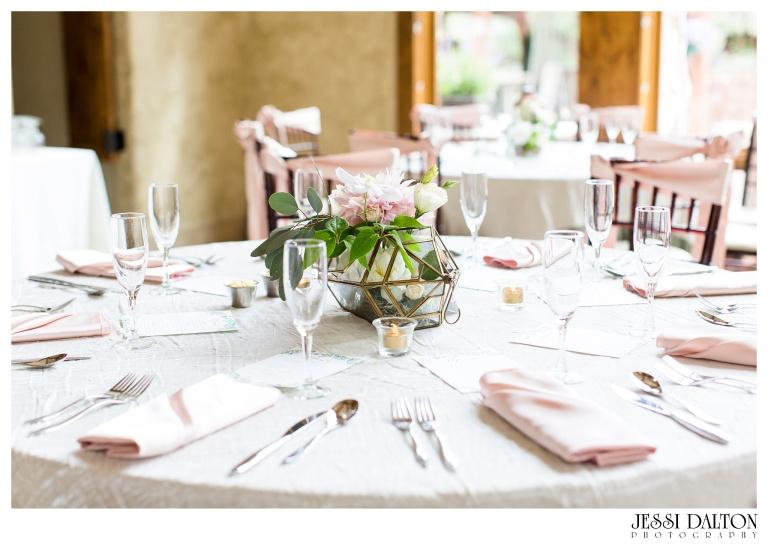 Jessi-Dalton-Photography-Della-Terra-Mountain-Chatuea-Lace-And-Lilies-Colorado-Mountain-Wedding_0096
