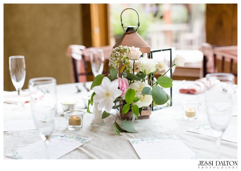 Jessi-Dalton-Photography-Della-Terra-Mountain-Chatuea-Lace-And-Lilies-Colorado-Mountain-Wedding_0098