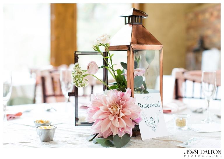 Jessi-Dalton-Photography-Della-Terra-Mountain-Chatuea-Lace-And-Lilies-Colorado-Mountain-Wedding_0100