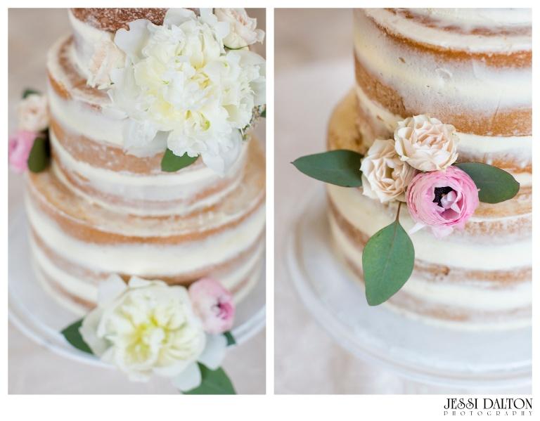Jessi-Dalton-Photography-Della-Terra-Mountain-Chatuea-Lace-And-Lilies-Colorado-Mountain-Wedding_0111