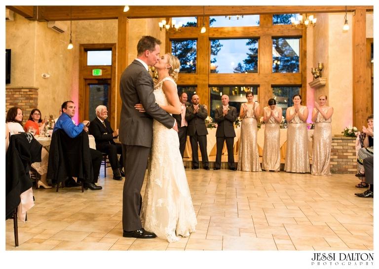 Jessi-Dalton-Photography-Della-Terra-Mountain-Chatuea-Lace-And-Lilies-Colorado-Mountain-Wedding_0113