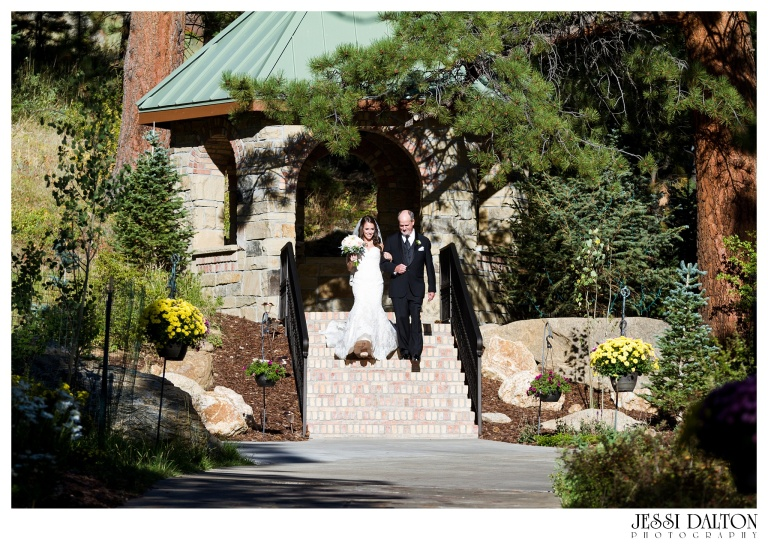 jessi-dalton-photography-colorado-wedding-photographer-della-terra-mountain-chateau-natalieryan_0015