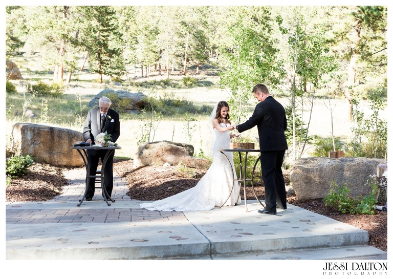 jessi-dalton-photography-colorado-wedding-photographer-della-terra-mountain-chateau-natalieryan_0018