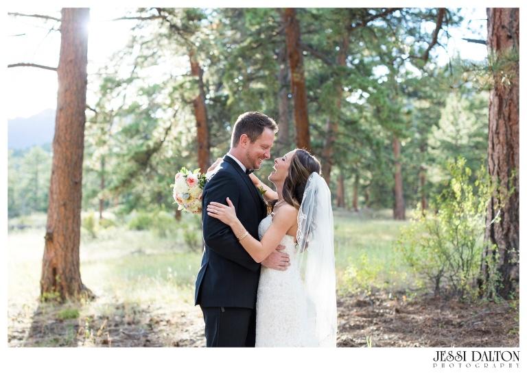 jessi-dalton-photography-colorado-wedding-photographer-della-terra-mountain-chateau-natalieryan_0032