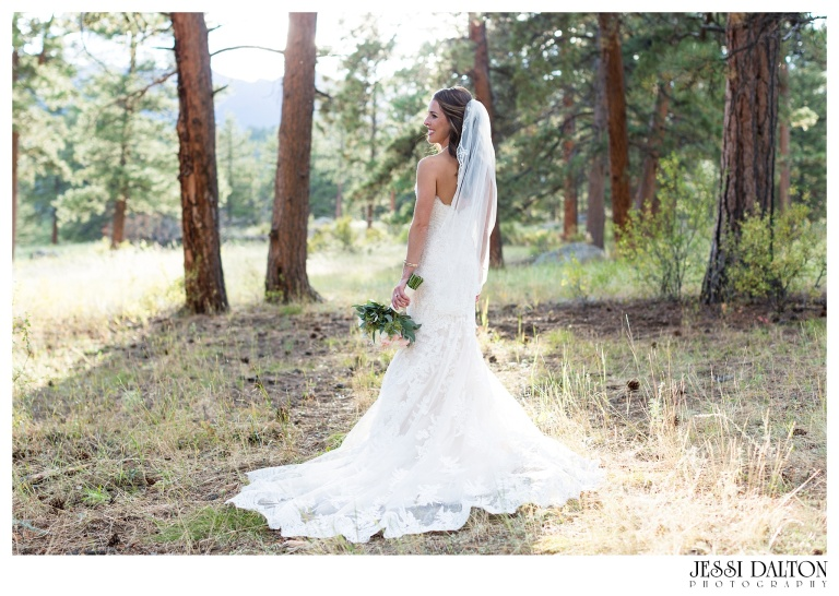 jessi-dalton-photography-colorado-wedding-photographer-della-terra-mountain-chateau-natalieryan_0039
