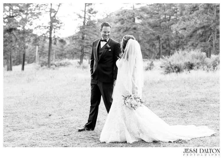 jessi-dalton-photography-colorado-wedding-photographer-della-terra-mountain-chateau-natalieryan_0043