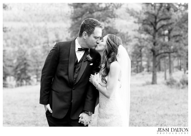 jessi-dalton-photography-colorado-wedding-photographer-della-terra-mountain-chateau-natalieryan_0045
