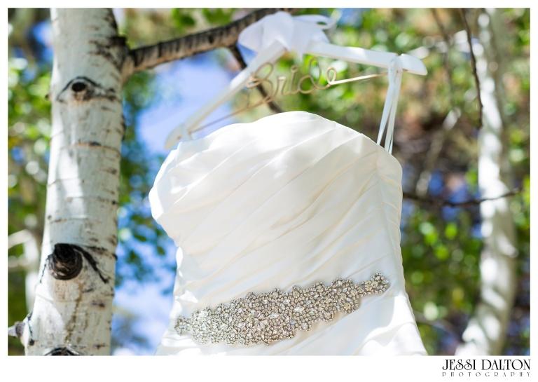 jessi-dalton-photography-mountain-wedding-colorado-wedding-photographer-della-terra-mountain-chateau-allyerik_0001