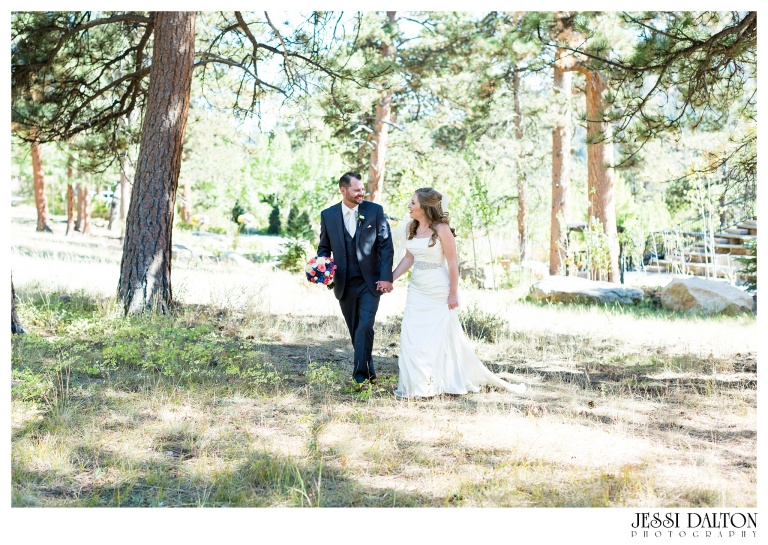 jessi-dalton-photography-mountain-wedding-colorado-wedding-photographer-della-terra-mountain-chateau-allyerik_0018