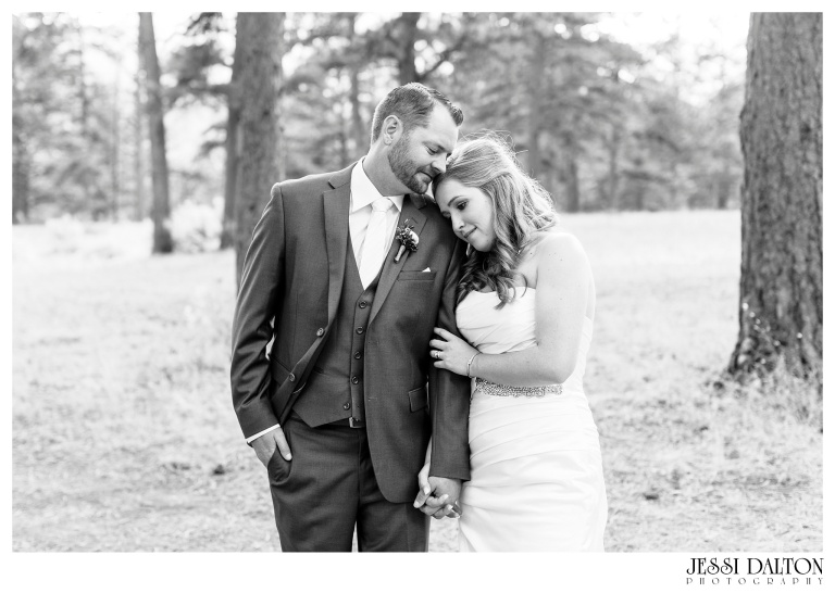 jessi-dalton-photography-mountain-wedding-colorado-wedding-photographer-della-terra-mountain-chateau-allyerik_0033