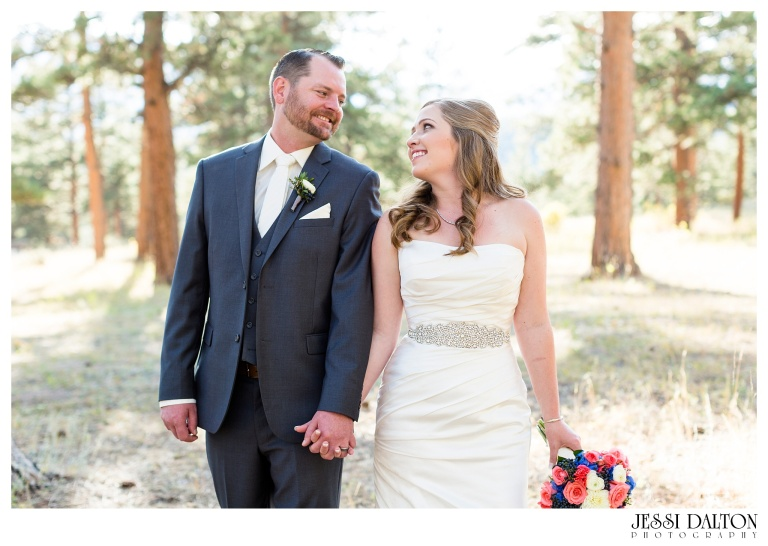 jessi-dalton-photography-mountain-wedding-colorado-wedding-photographer-della-terra-mountain-chateau-allyerik_0039