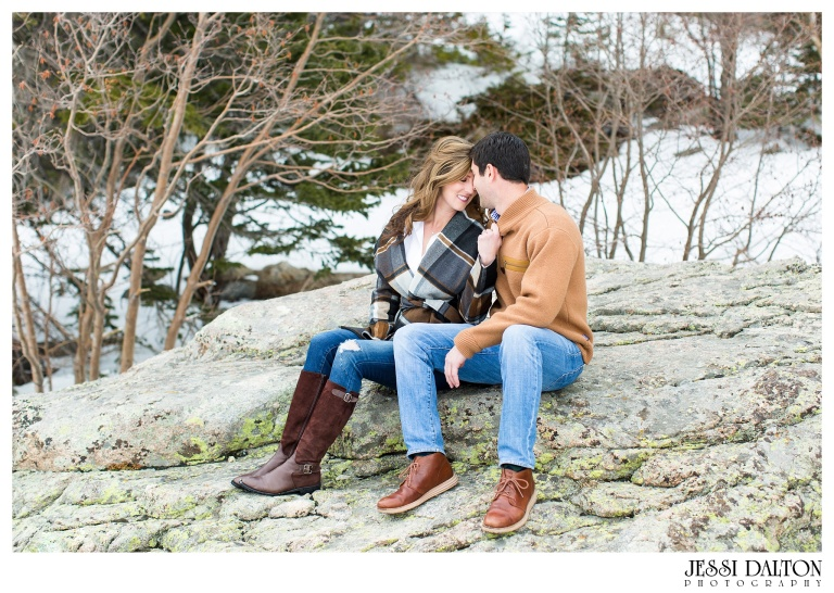 jessi-and-zach-photography-colorado-nevada-wedding-photographers-mountain-engagement-photos-rocky-mountain-national-park_02