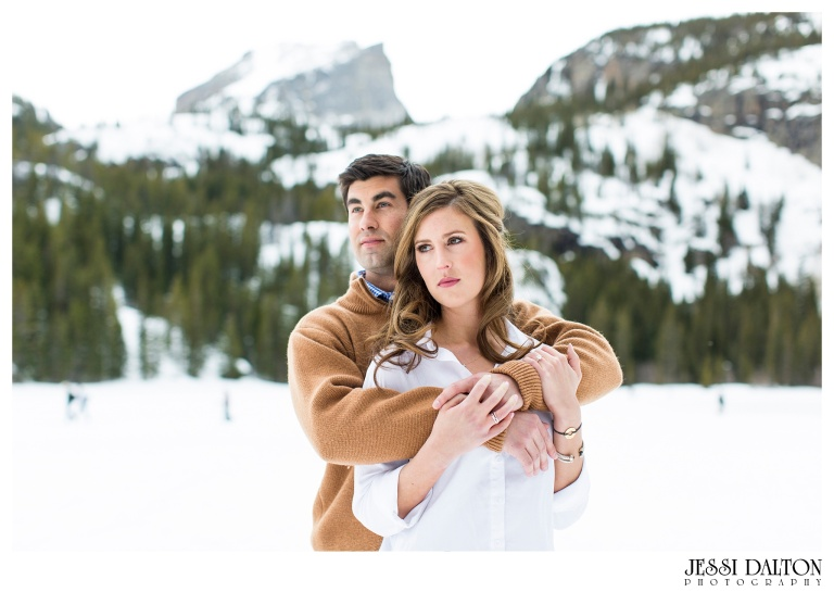 jessi-and-zach-photography-colorado-nevada-wedding-photographers-mountain-engagement-photos-rocky-mountain-national-park_04