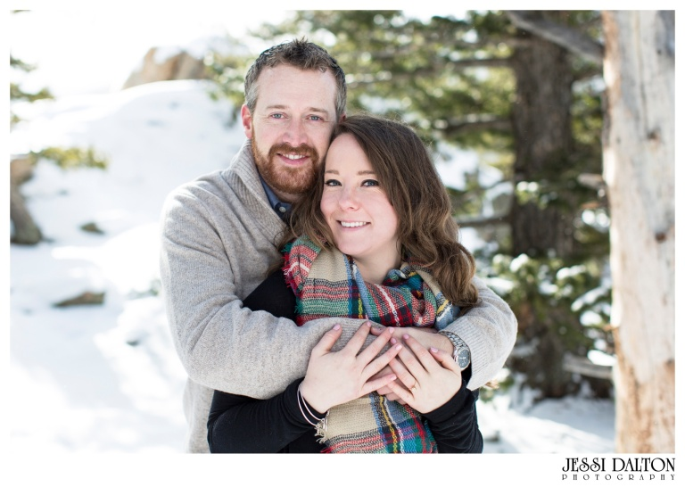 jessi-and-zach-photography-colorado-nevada-wedding-photographers-mountain-engagement-photos-rocky-mountain-national-park_18